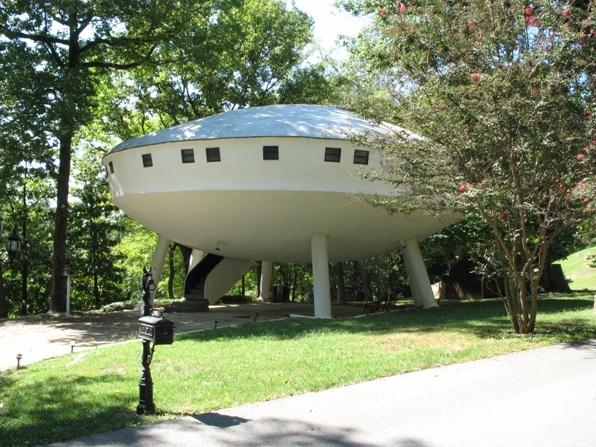 The Flying Saucer House, Signal Mountain, TN, USA - Alt 1