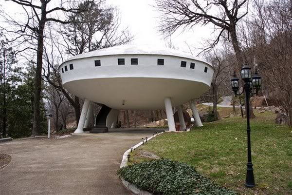 The Flying Saucer House, Signal Mountain, TN, ...