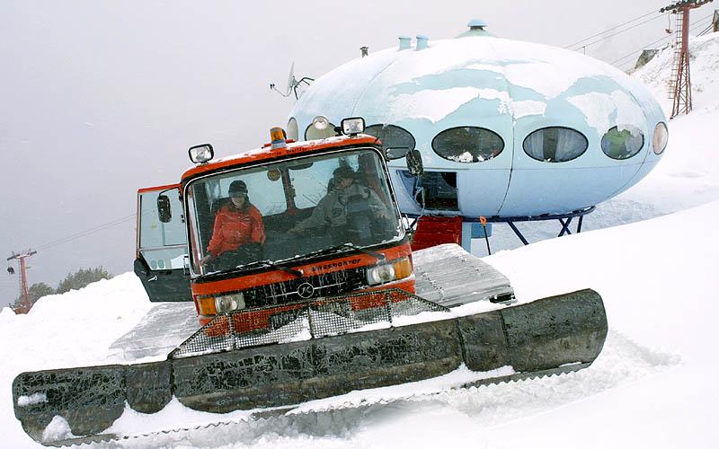 Futuro, Dombai, Russia - Novikov Feb 2004 4