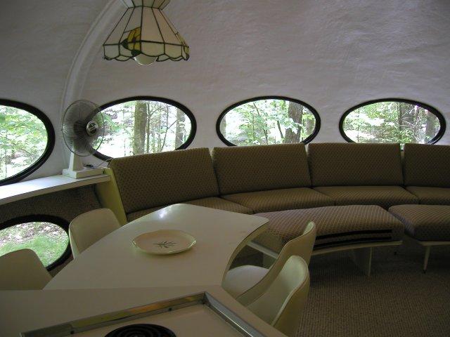 Futuro House, WI, Interior 1