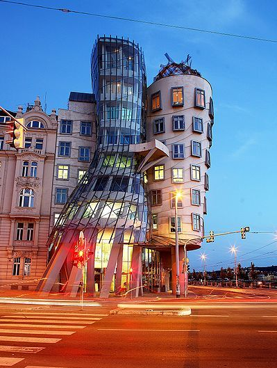 The dancing Building, Prague