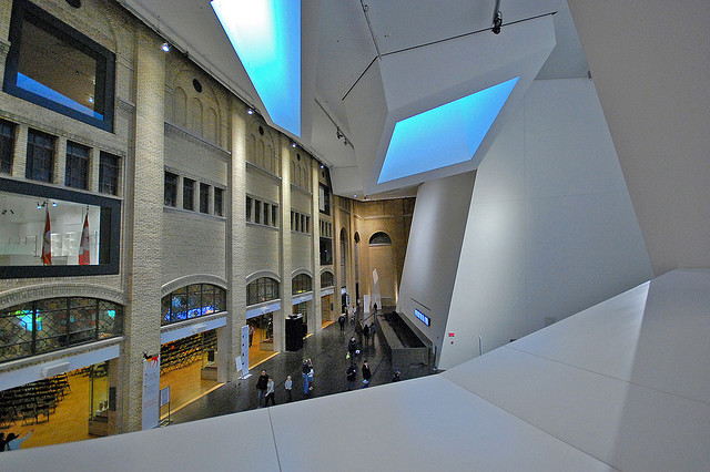Royal Ontario Museum, Toronto, Canada - Old v New 3