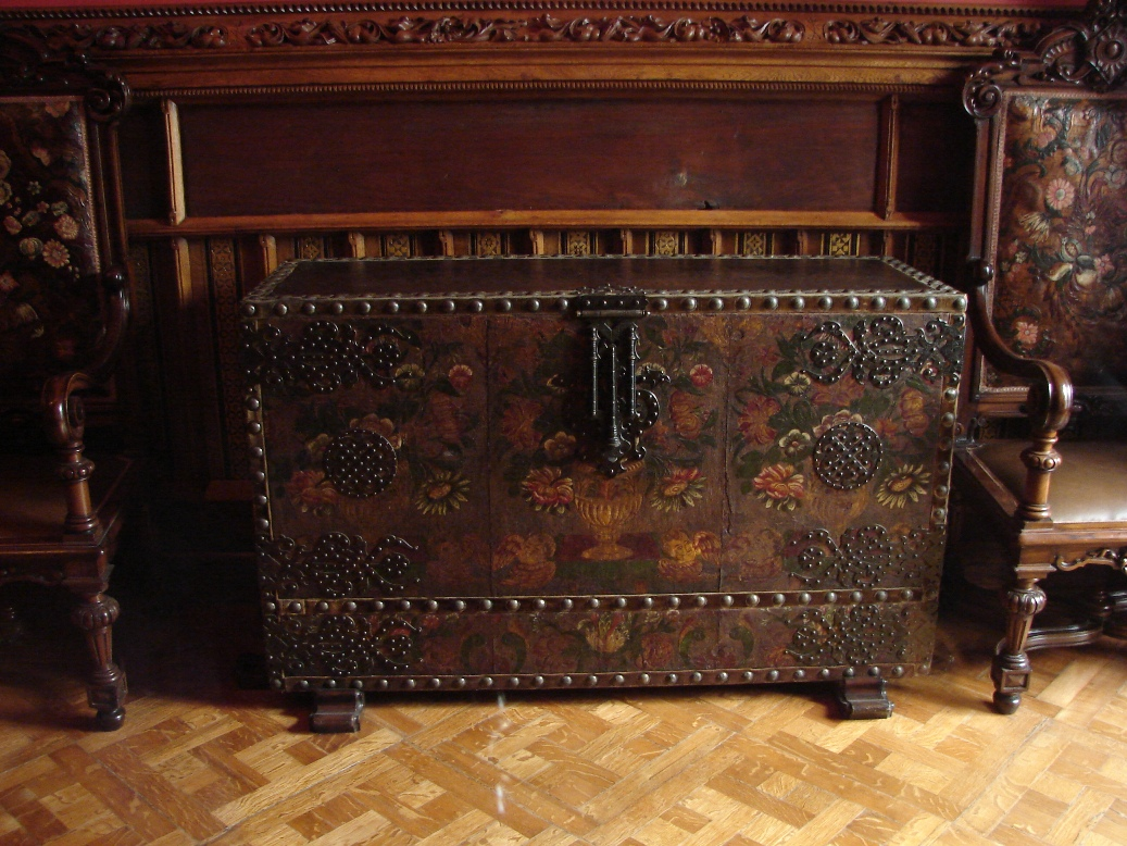 Palau Guell - Wooden Chest
